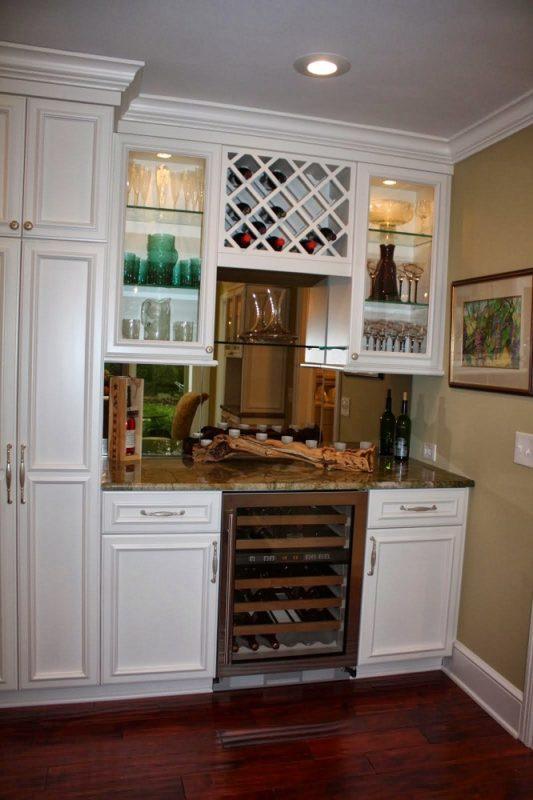Wet Bar Wine Storage